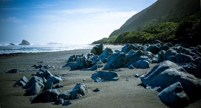 Rocks of 14 mile beach